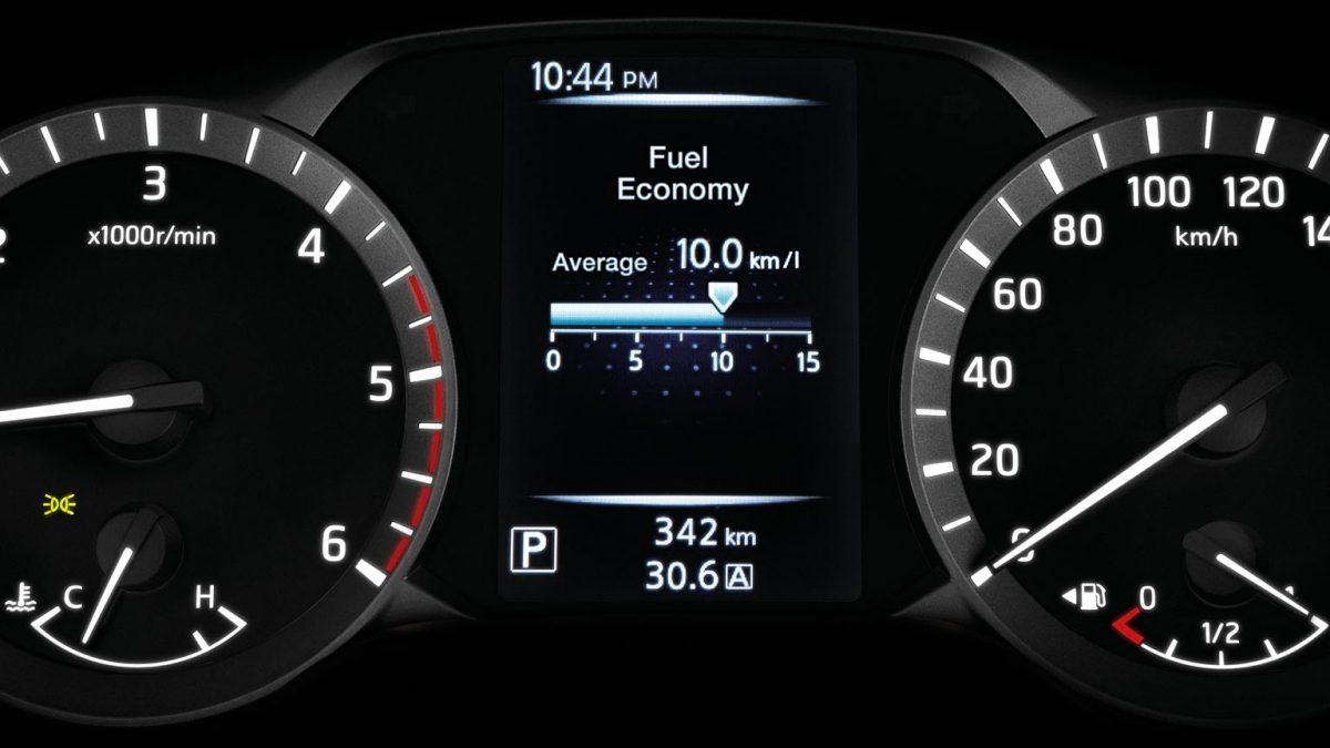 شاشة للتحكم في استهلاك الوقود لسيارة نيسان نافارا