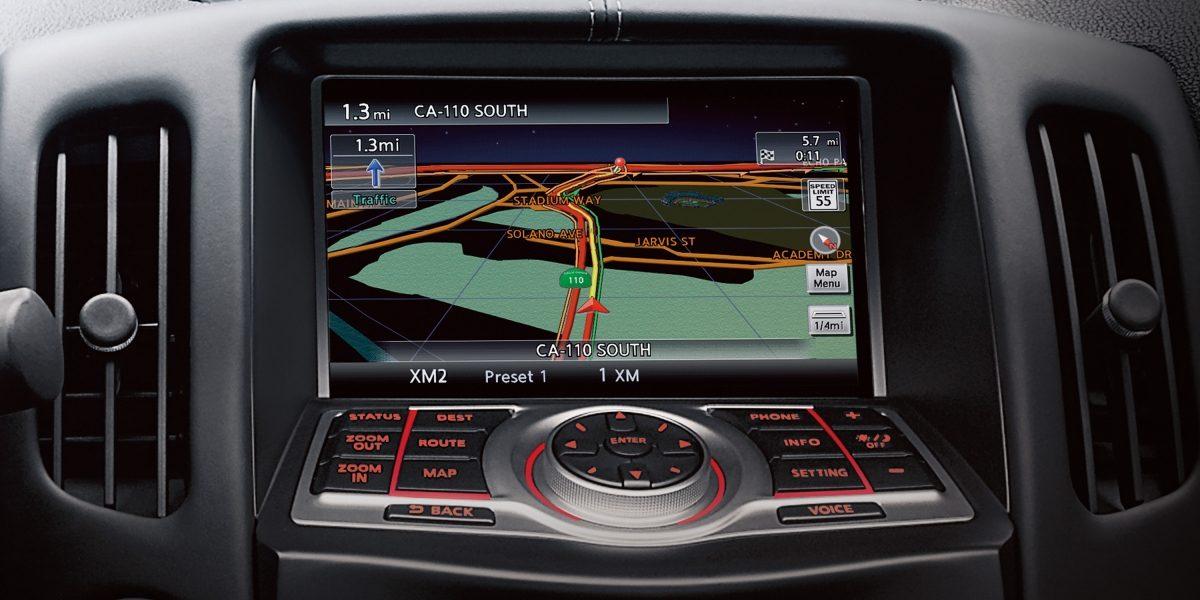 370Z شاشة توجيهية للطرق تعمل باللمس في سيارة نيسان