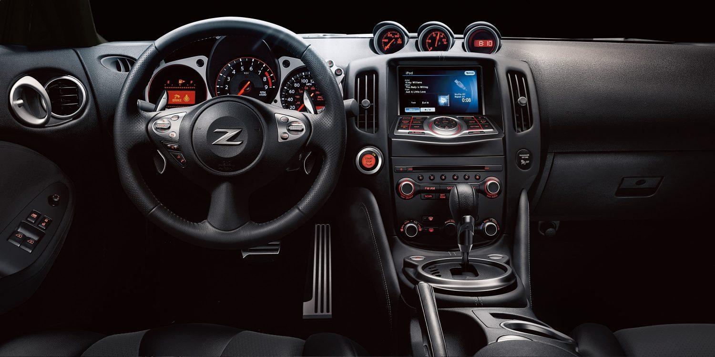 370Z المظهر الداخلي ومقصورة القيادة لسيارة نيسان