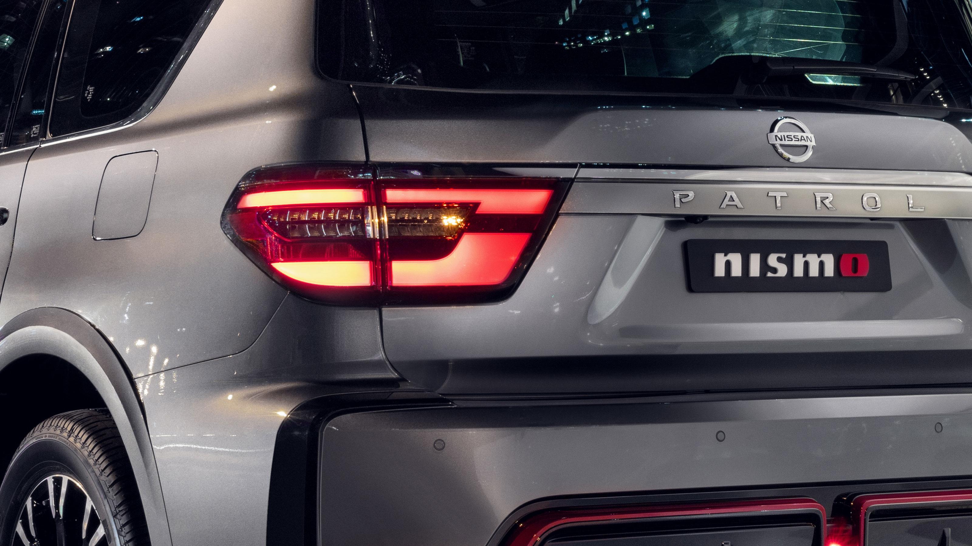 Nissan PATROL NISMO rear fog lights