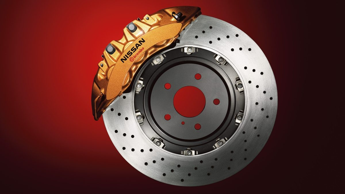 Nissan GT-R brakes with monoblock Calipers