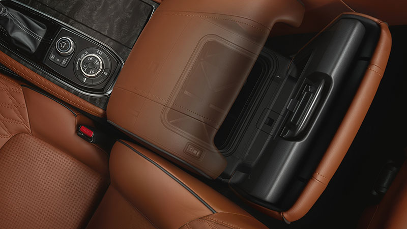 Double-hinged cooler box in 2020 NISSAN PATROL