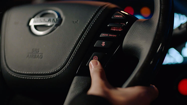 Cruise buttons on steering wheel of 2020 NISSAN PATROL