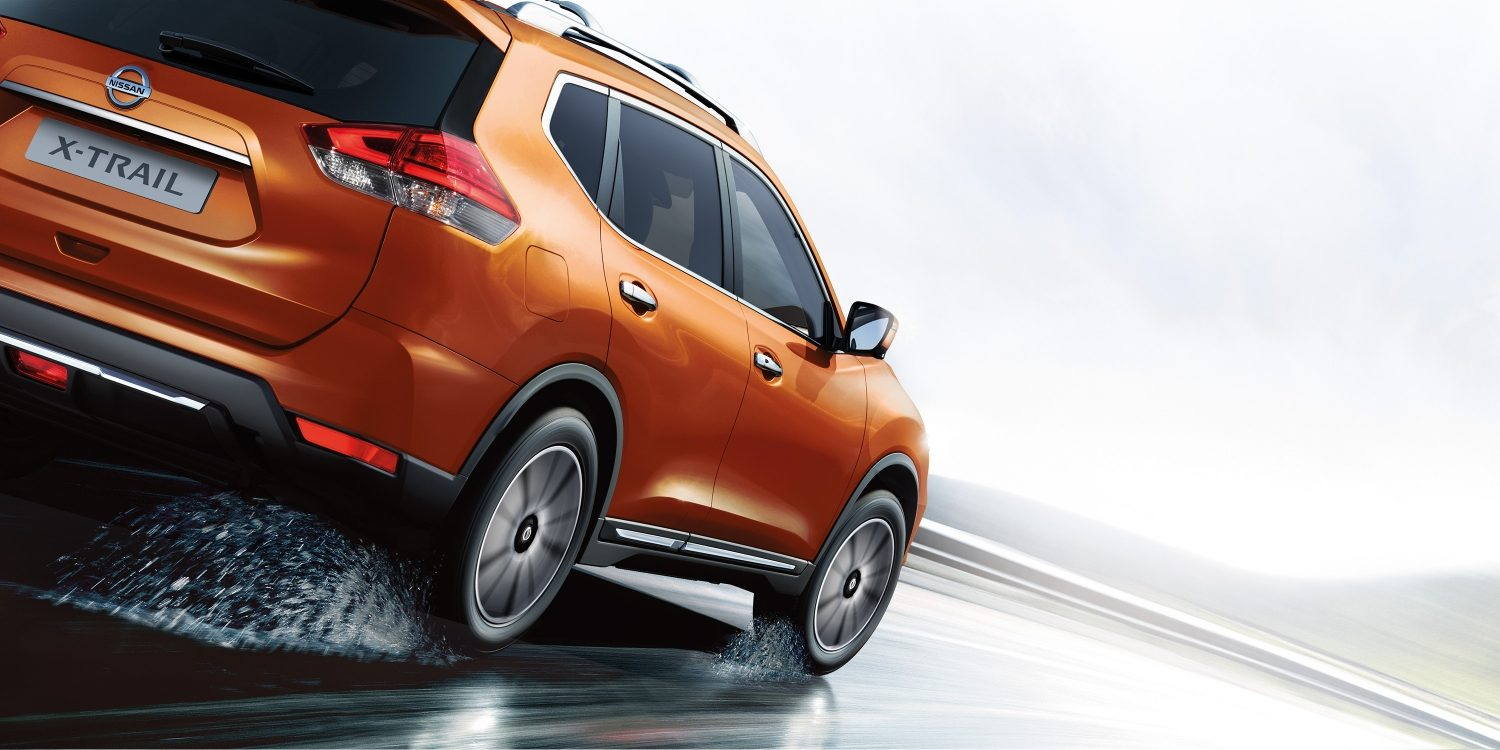 orange X-TRAIL exterior